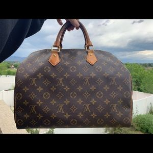 Authentic Louis Vuitton Speedy 35 with extras